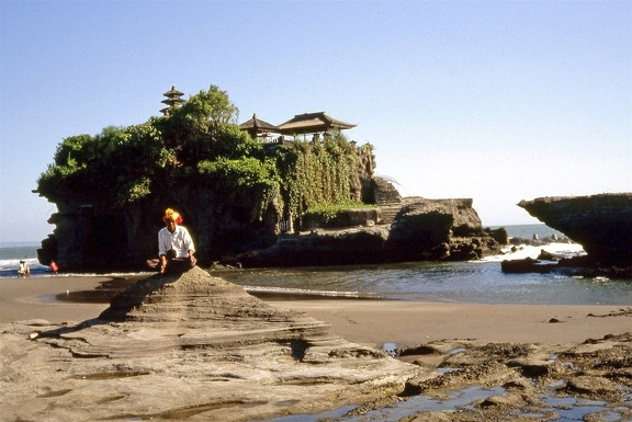 Tanah Lot002 red